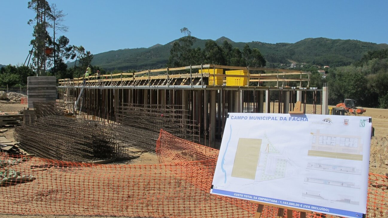 construcao_do_novo_campo_municipal_da_facha_003_1_1366_728